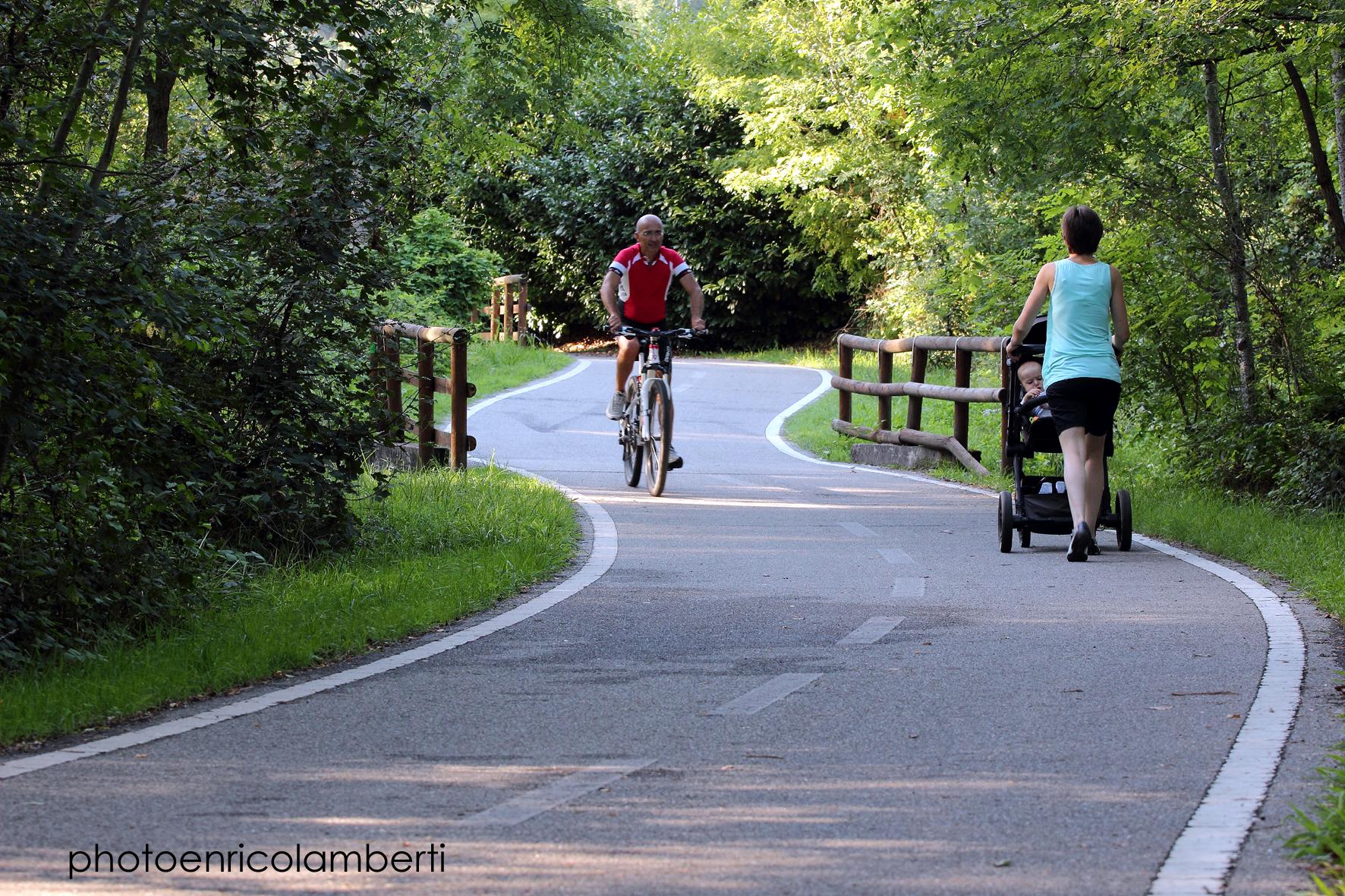 D_-pista-ciclabile-lago-Varese-